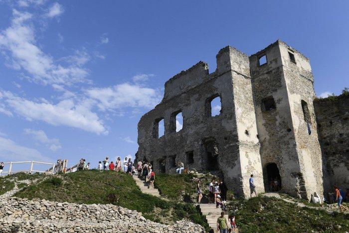 Ilustračný obrázok k článku Považský hrad ukáže kultúrne dedičstvo   Atraktívny PROGRAM priamo na ňom 7b5fd76520a