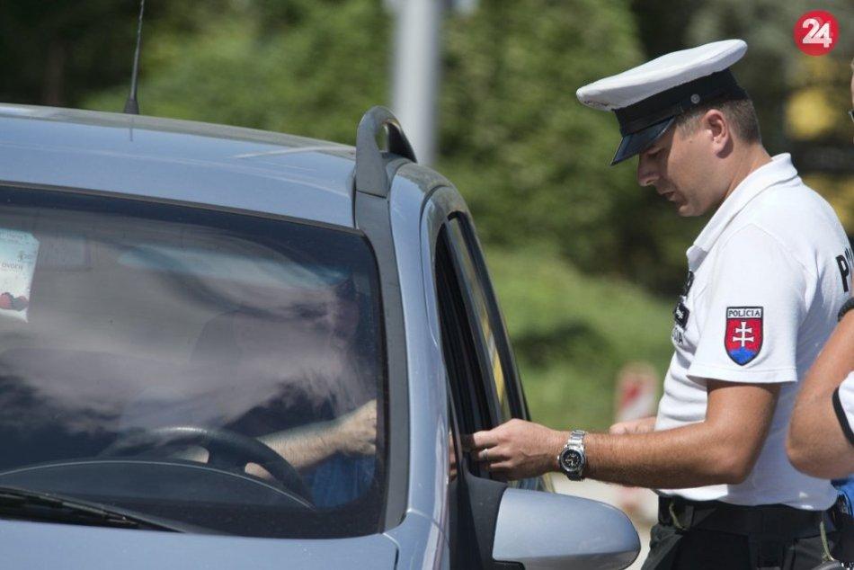 1ddcd094b Ilustračný obrázok k článku Policajti na považskobystrických cestách: Bacha  na neoznačené autá
